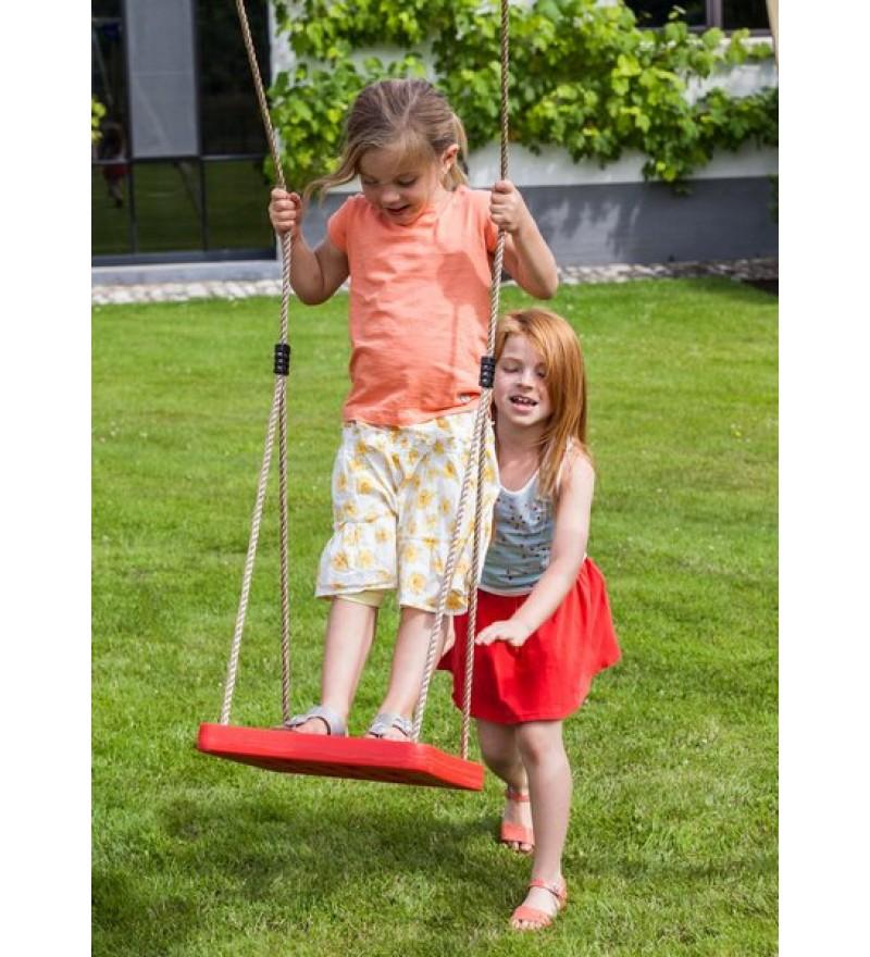 Dzieci bawiące się na huśtawce foot swing