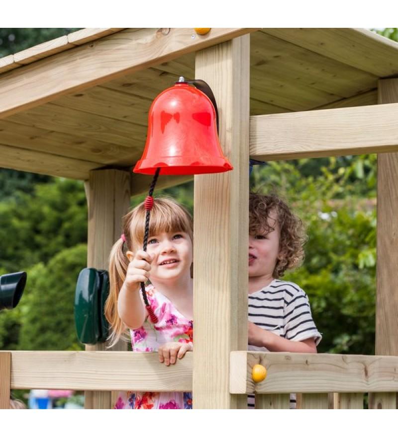 Dzwon czerwony na placu zabaw
