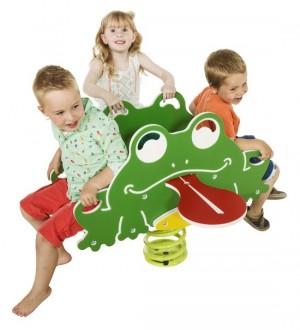 Bujak żaba z dziećmi