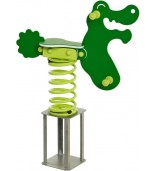Bujak krokodyl na placu zabaw
