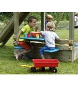 Dzieci bawiące się na placu zabaw3
